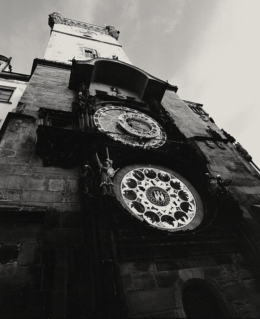 astronomical-clock-old-town-square2